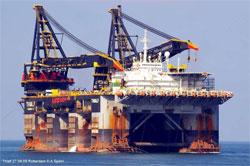 Крановое судно-гигант