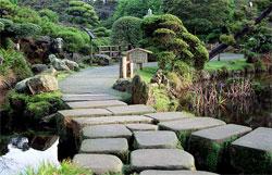 Японский сад, как образ живой природы: Садовые дорожки