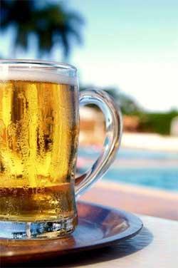 Хорошо пить пиво в компании старого друга