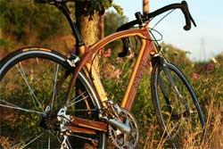 Простая конструкция зеркала заднего вида для велосипедиста