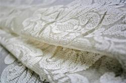 Как стирать капроновые шторы, чтобы после их не гладить