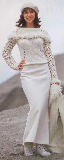 Пуловер с кружевными рукавами