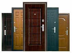 Как закрепить шатающуюся дверную раму