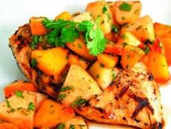 Куриный салат с нектаринами и мятным винегретом