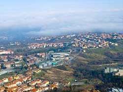 Вид на окрестности Римини с горы Монте-Титано