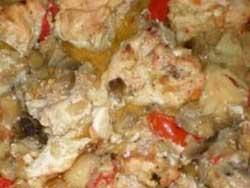 Куриные грудки с начинкой из брынзы с зеленью, луком и помидором
