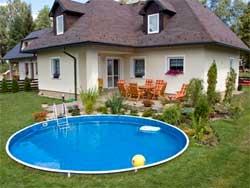 Как построить бассейн в загородном доме
