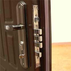 Как отличить качественную металлическую дверь от китайской подделки