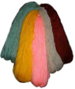 Цветная шерстяная пряжа